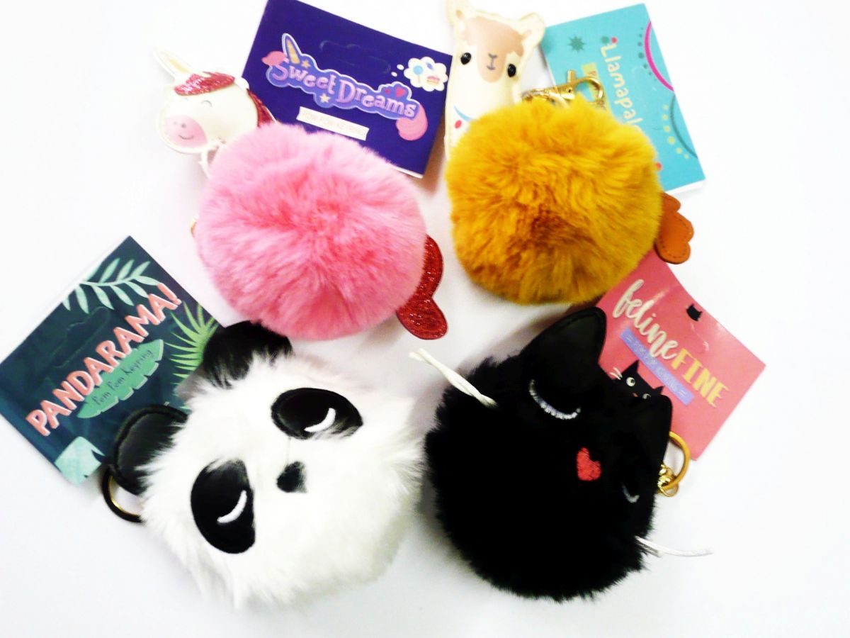 Key Ring : Animal pom pom key ring - (unicorn/panda/llama/cat)