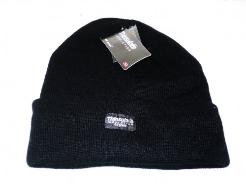 Mens knitted hat with thinsulate lining.